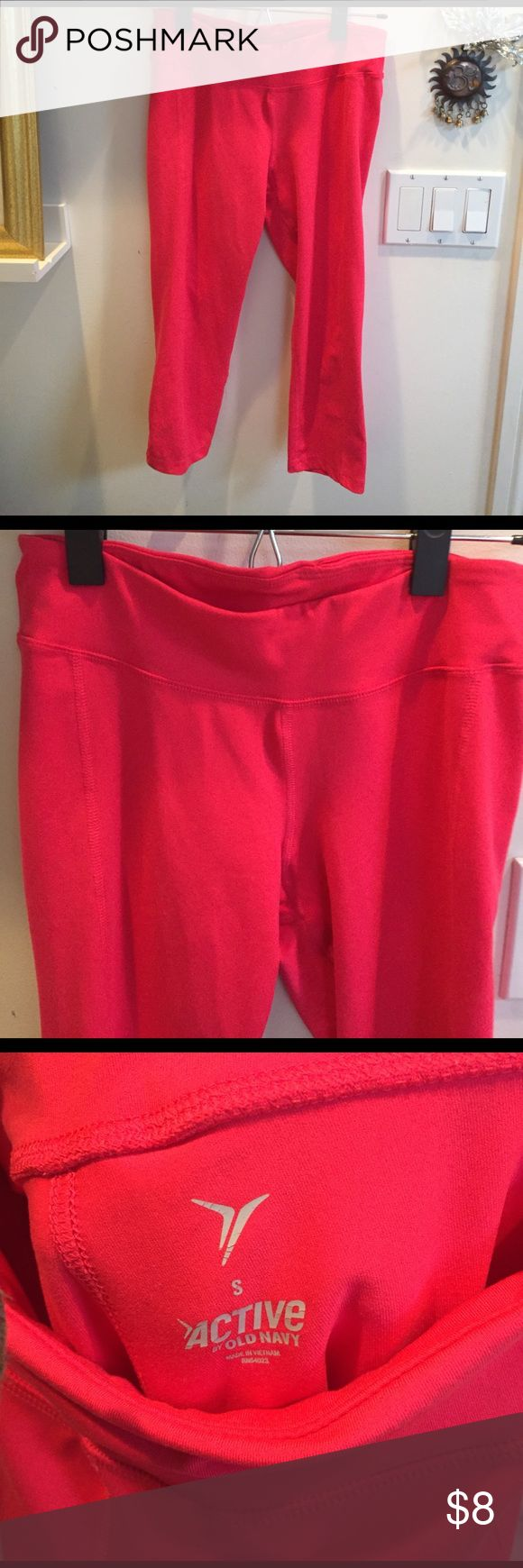 Bright Pink Yoga Pant Crops Old Navy brand bright yoga pants. Stretchy and cute! Falls below the knee Old Navy Pants Leggings