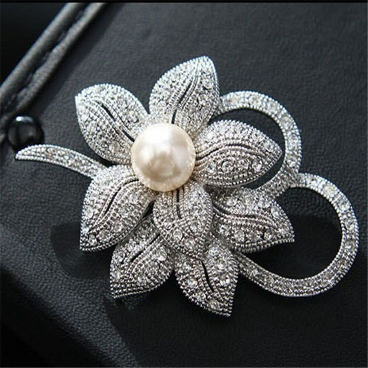 Fashion Women Elegant Silvery Plated Flower Shapes Crystals Imitation Pearl Brooch Pin Jewelry Gift pins broches de strass luxo