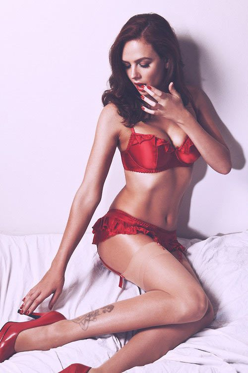 145 best LADY IN RED images on Pinterest | Lady in red, Red and ...