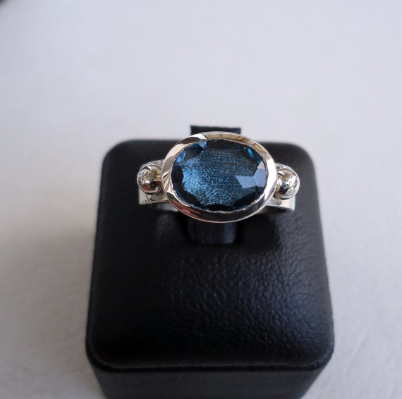 EnLitho Aquamarine Single Stone Ring by EnLitho on Etsy