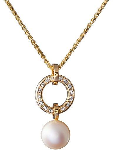Oy Tillander Ab pendant, http://www.tillander.fi/ #tillander #diamond #pendant #necklace #gold #pearl