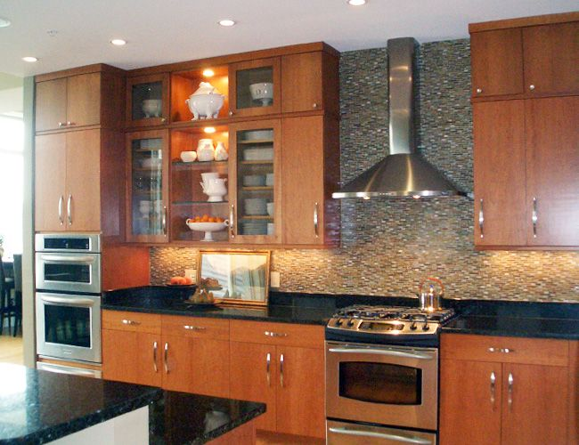 Beautiful glass tile backsplash from The Hamilton Parker Company in #Cincinnati. #housetrends http://www.housetrends.com/specialist/Hamilton-Parker-Company