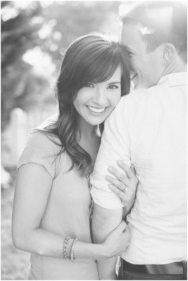 10 unique wedding photo poses and ideas for your big day! - Wedding Party; cute as an engagement photo :)