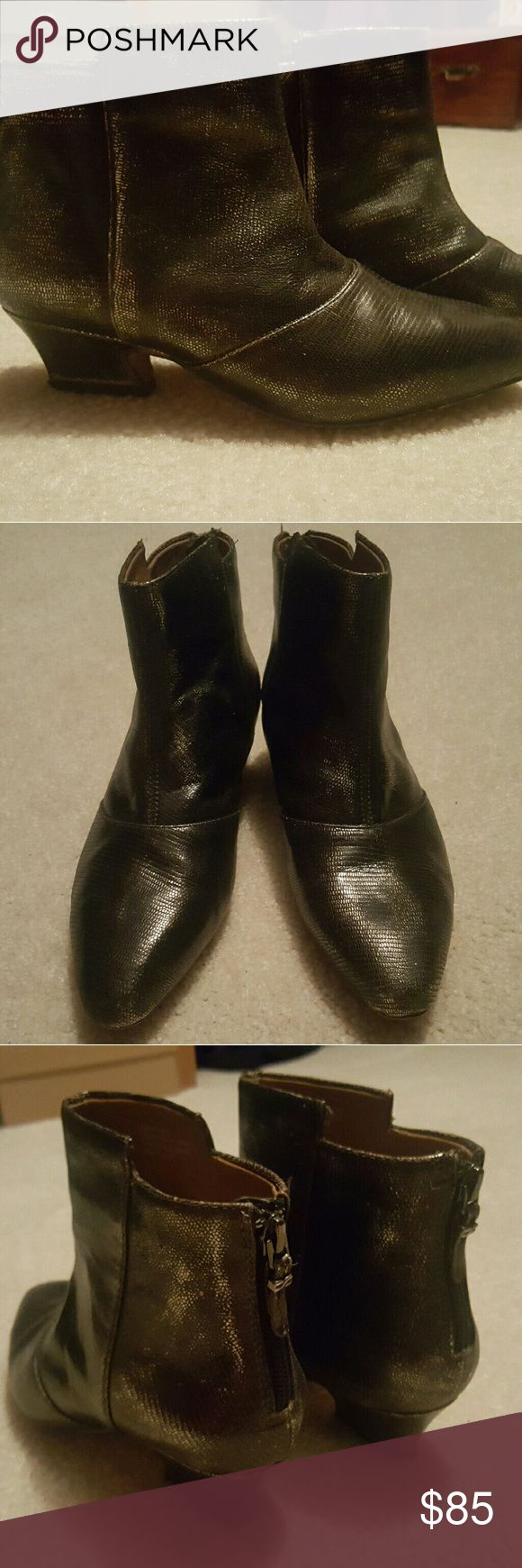 Earthies pewter ankle boot. Size 7 womens These are way more stunnng in person!! Metallic ankle boot with small heel!! Very comfortable!!! Gently used! Free People Shoes Ankle Boots & Booties