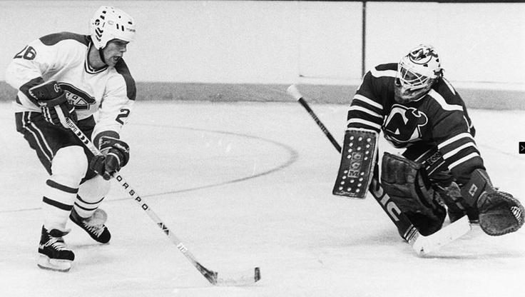 Mats Naslund : Après deux campagnes pendant lesquelles il a talonné Guy Lafleur au classement des meilleurs pointeurs du club, le petit attaquant explosa lors de la saison 1985-86, au terme de laquelle il fut nommé sur la deuxième équipe d'étoiles de la ligue. Il amassa 110pts et prit la place de leader offensif laissée vacante par Lafleur deux ans plus tôt. En 20 parties éliminatoires, cette année-là, Naslund contribua ainsi à la conquête de la 23e coupe Stanley de l'équipe avec ses 19…