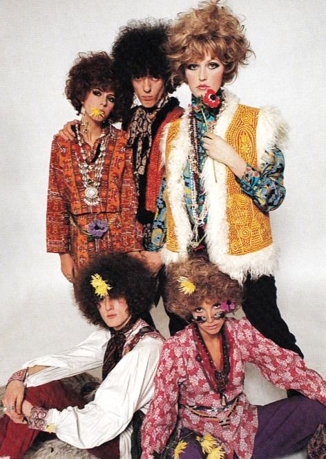Flower Power fashion (1967). Photograph by Peter Knapp. Image scanned by Sweet Jane.