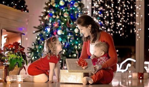 Štedrý deň aj Prvý sviatok vianočný vychádzajú na víkend. | Casprezeny.sk