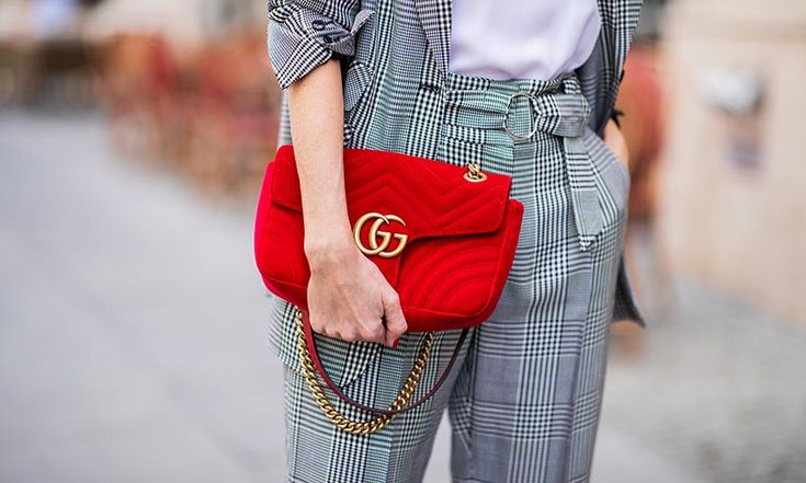 Love the Gucci Sylvie bag but can't afford the £2000 price tag? We've found a £40 dupe and it's SO similar