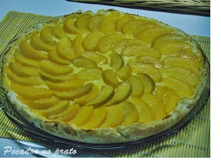 Tarte de pessego - http://www.sobremesasdeportugal.pt/tarte-de-pessego/