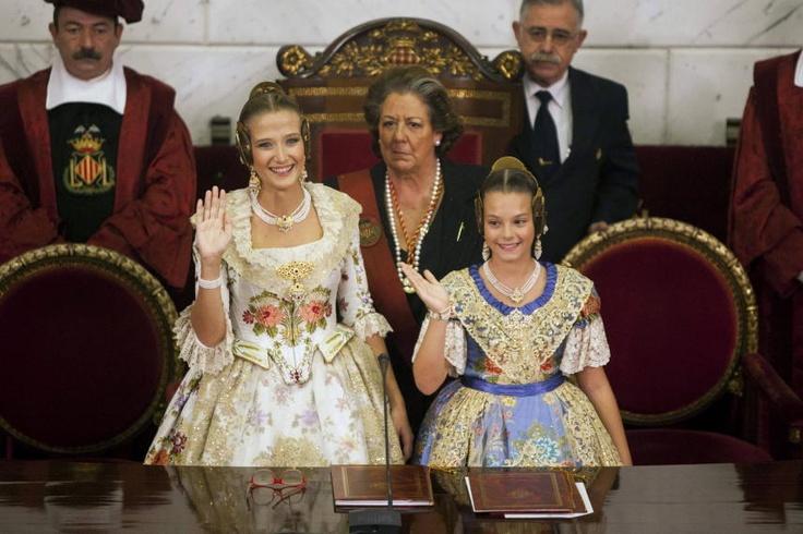 The mayor Rita Barbera chairs the proclamation of the Main Fallera, Begoña Jiménez and Main Child Fallera 2013, Carla Gonzalez  Source: EFE 10/17/2012 20:44:00