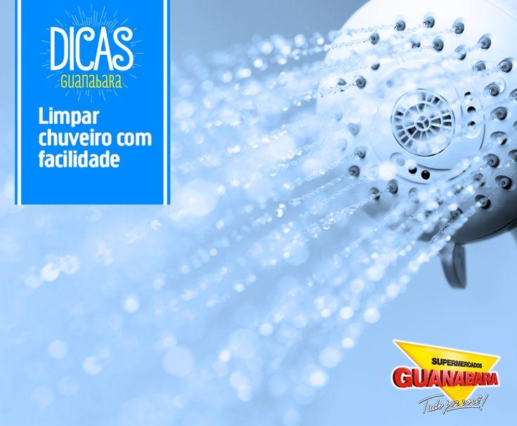 Limpar chuveiro com facilidade. O ideal quando é preciso limpar o chuveiro é usar um pouco de vinagre branco em um saco plástico, envolto ao chuveiro durante uma hora. Depois é só limpar a superfície com um pano molhado e pronto!
