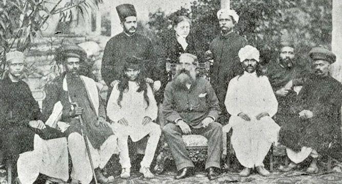 * Helena Blavatsky, Olcott Mavalankar e outros Teósofos * Bombaim, Índia. 1881.