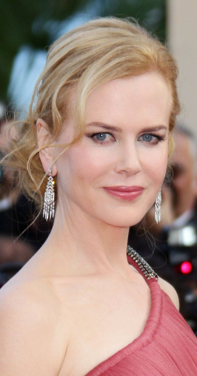 Nicole Kidman, Actress: Moulin Rouge!. Elegant redhead Nicole Kidman, known as one of Hollywood's top Australian imports, was actually born in Honolulu, Hawaii. Kidman is the daughter of Australian parents, Janelle Ann (Glenny), a nursing instructor, and Antony David Kidman, a biochemist and clinical psychologist. She is of English, Irish, and Scottish descent. Shortly after her birth, the family moved to Washington, D.C., where ...