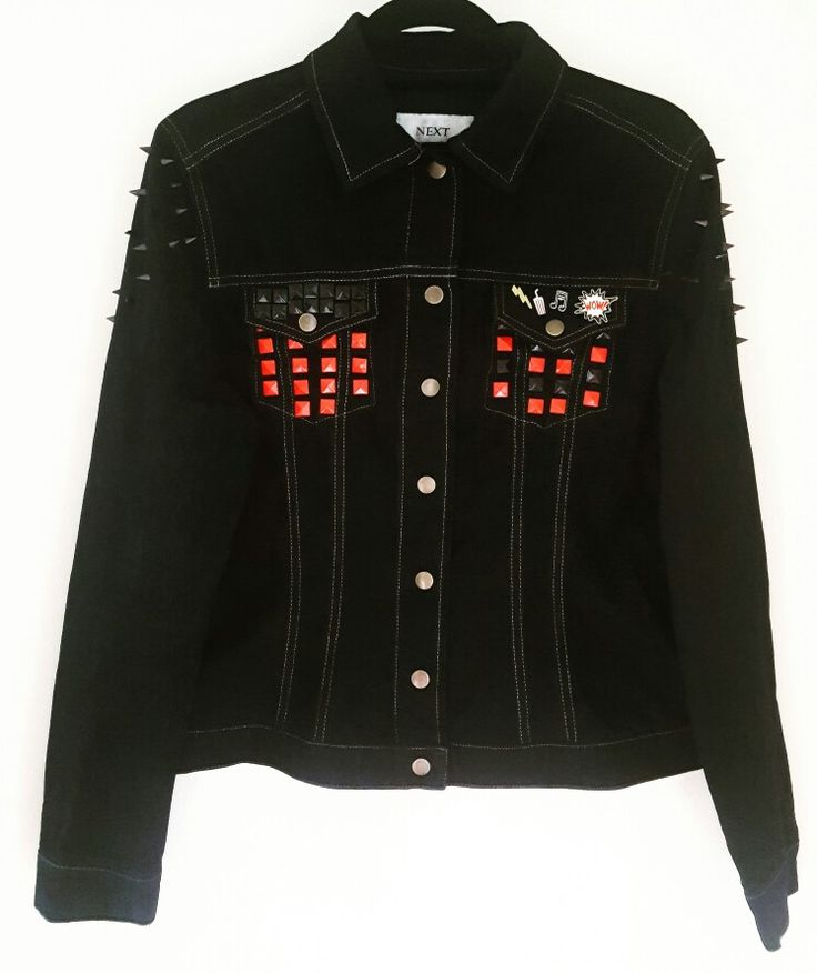 The jacket has been dyed, hand patched and embellished.  (If you would like one similar please contact me on my shop below)  https://www.etsy.com/shop/NicDiamond?ref=search_shop_redirect  #harleyquinn #SuicideSquad #daddyslilmonster #film #blockbuster #acting #theatre #diy #darkfashion #marvel #reworkedbynicolle #marvel #photography #photographer #swansea #cardiff #welsh #custom #studs #spikes #patches #stitch #sewing #altering #etsy #shop #next #designer
