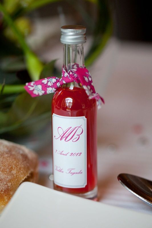 """Cadeaux d'invités, une mignonnette de """"vodka Tagada"""" pour messieurs"""