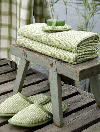 Kuva: Ikea.  Vihreää tunnelmaa saunatekstiileillä. #sauna