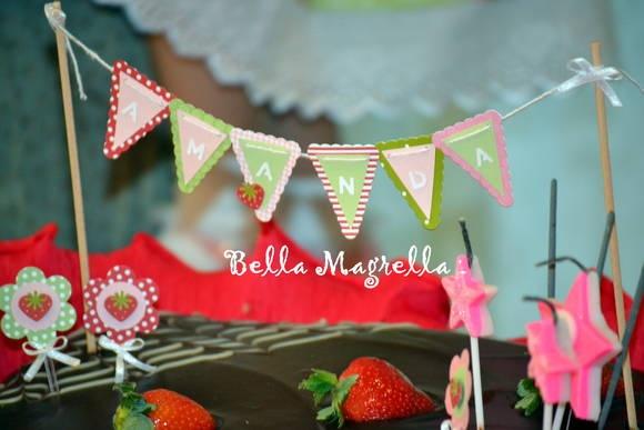 Topo De Bolo - Bandeirolas | Bella Magrella | 3013B5 - Elo7