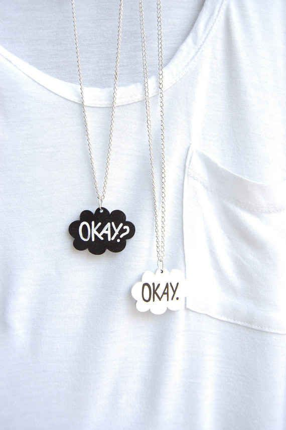 Ces colliers « The Fault in Our Stars » (« Nos Étoiles Contraires ») :