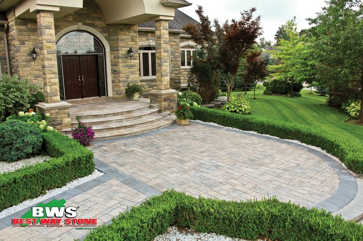 Best Way Stone > Paver: Moderna (Beige Mix) with Strada Nova (Ultra Black) accent. #outdoor #entrance #landscape available at our store at 3500 Mavis Rd, Mississauga, ON L5C 1T8