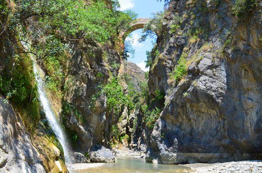 #Trekking in #Basilicata Pacchetto vacanze all-inclusive per gli appassionati di #montagna, #trekking e sentieri http://www.villarosamaria.it/pacchetto-vacanze-trekking/