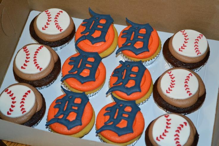 Detroit Tigers cupcakes