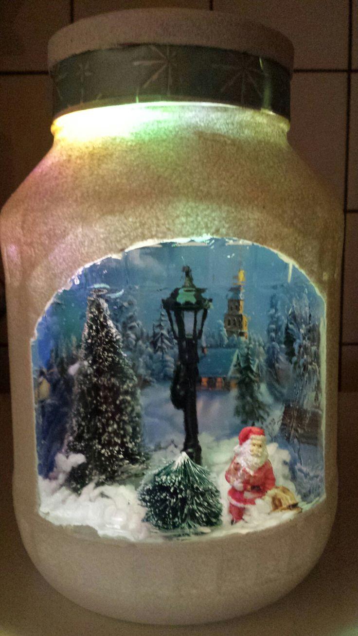 kersttafereel in een pot.