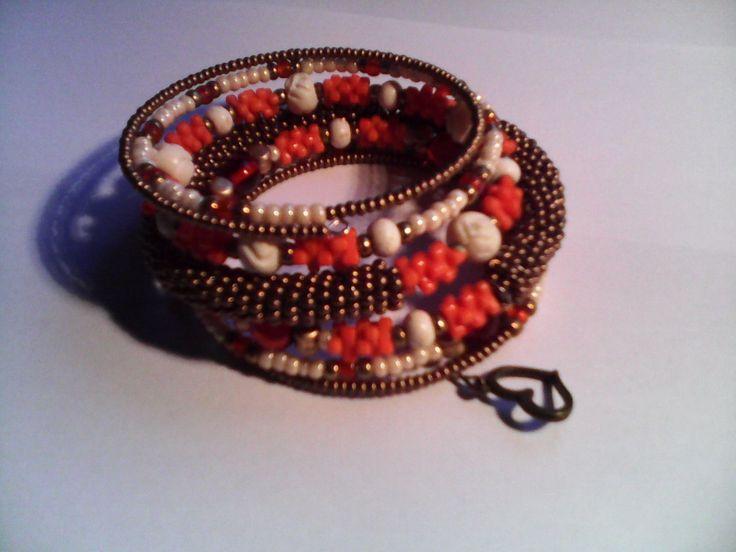 Memory wire bracelet, Czech beads. Seemoon