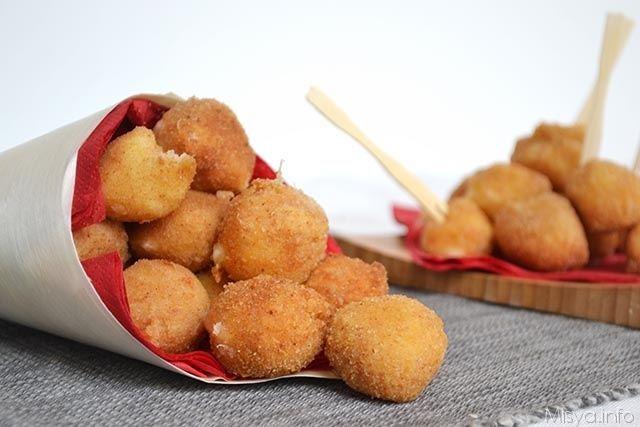 Mozzarelline fritte, scopri la ricetta: http://www.misya.info/ricetta/mozzarelline-fritte.htm