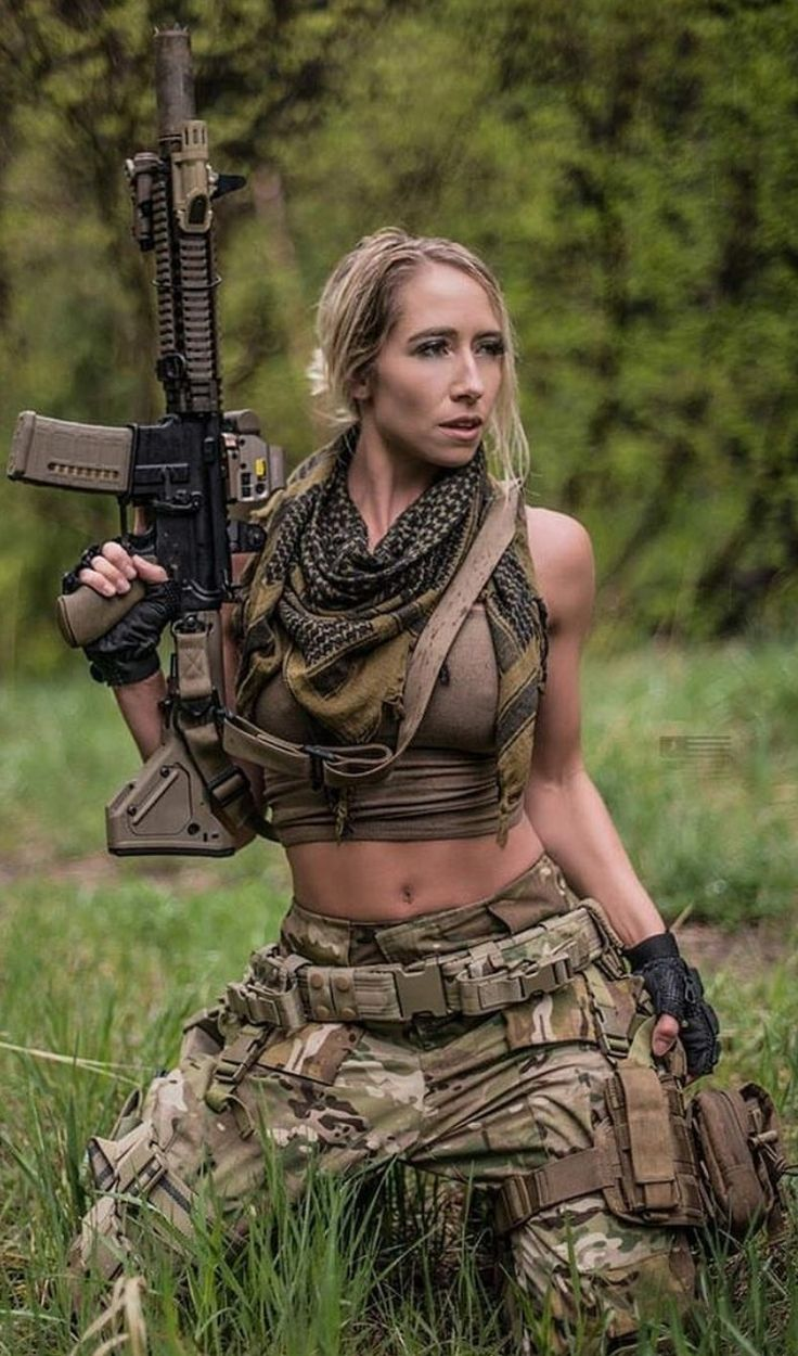 pics-of-hot-women-shooting-guns