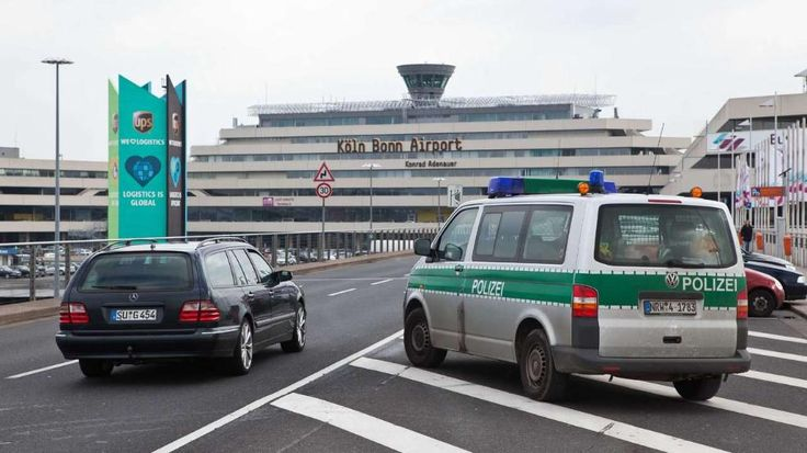 Sicherheitsmängel am Flughafen Köln/Bonn | Waffen und Bombenteile bei Test unentdeckt eingeschmuggelt - News - Bild.de