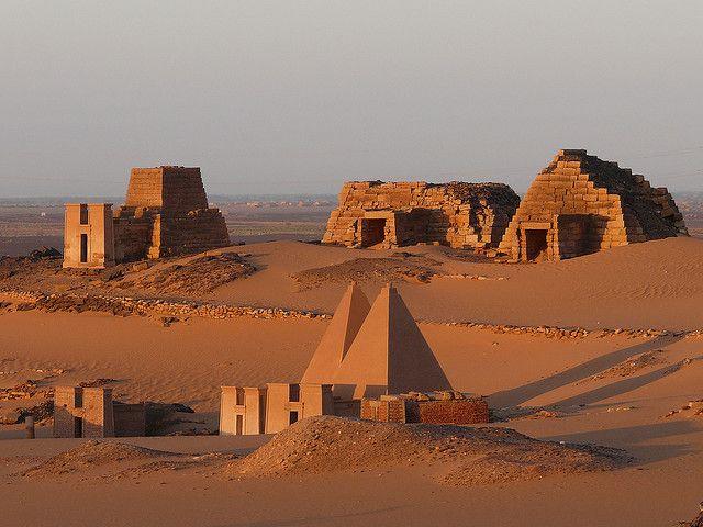Pirámides de Meroe, Sudán.