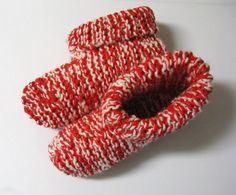 Voici un modèle pour femmes très facile à faire et qui se tricote avec deux laines en même temps. Pour varier le style, on peut tourner les rebords vers l'extérieur... Version imprimable Fourniture...