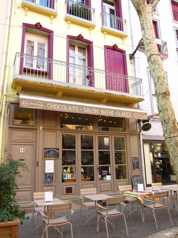 La Praline Salon de Thé, France