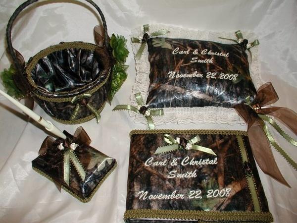 Camo wedding cakes and Camouflage wedding