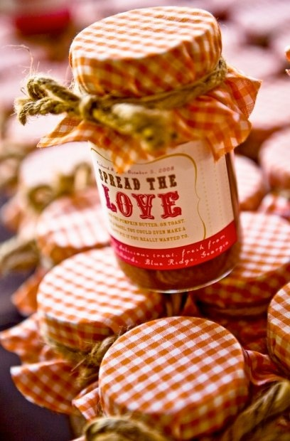 This, is awesome.: Jam Favors, Wedding Favors, Gifts Ideas, Apples Butter, Cute Ideas, Parties Favors, Homemade Jam, Mason Jars, Wedding Favours