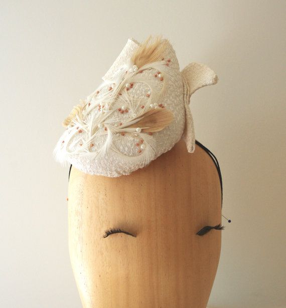Ivory Teardrop Hat / Derby hat / Perch hat / por PapillonsDeLeticia
