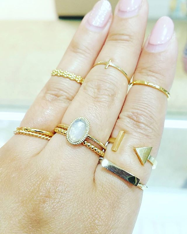little precious makes me happy❤  #sydneycommunity #sydneylocal #sydneyfashion #sydneyblogger #bloggerfashion #blogger #fashionblogger #instablogger #bloggerlife #bbloggerau #blogging #sydneyfashionblogger #sydneybloggers #australia #sydneymodel #sterlingsilver #stackingrings #layering #layers #knucklerings #ootd #outfitoftheday #lookoftheday #lookbook #macquariecentre #gypsy #bohemian #boho #gypsyjewelry #hippie