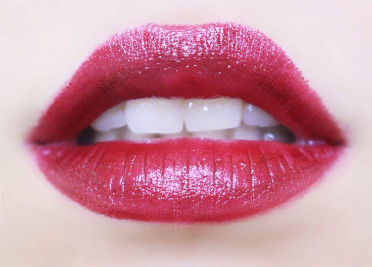MAC :: Hang up /Lipstick