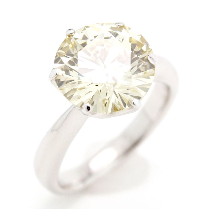 "Pt900 PLATINUM DIAMOND 5.042ct RING SIZE5.5[Price]JPY3,680,000 *Approximately US $33,031.68[Condition]""EXCELLENT pre-owned condition"""