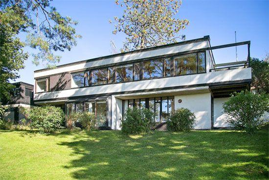 1960s architect-designed modernist property in Trollasen, Sweden
