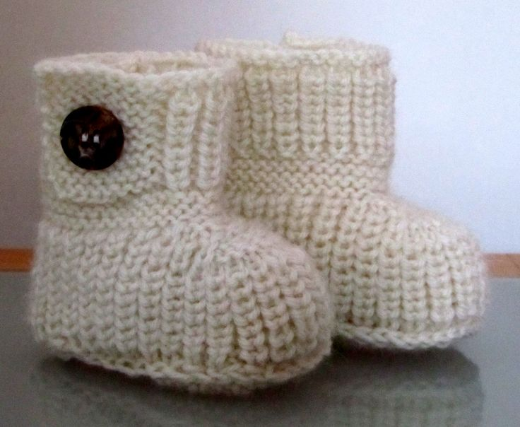 Knitted Baby Uggs Pattern : Baby Uggs Knitted
