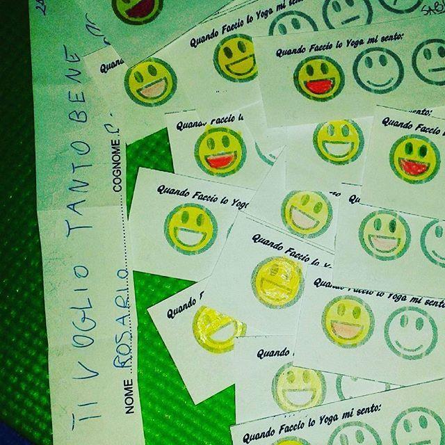 #Repost from @djmoriella with @regram.app ... Quando faccio lo yoga mi sento. .. #ultrafelice #strafelice #happiness #yoga #yogabimbi #yogakids #relax #scuola #yoganellascuola #felice #amore #tivogliobene