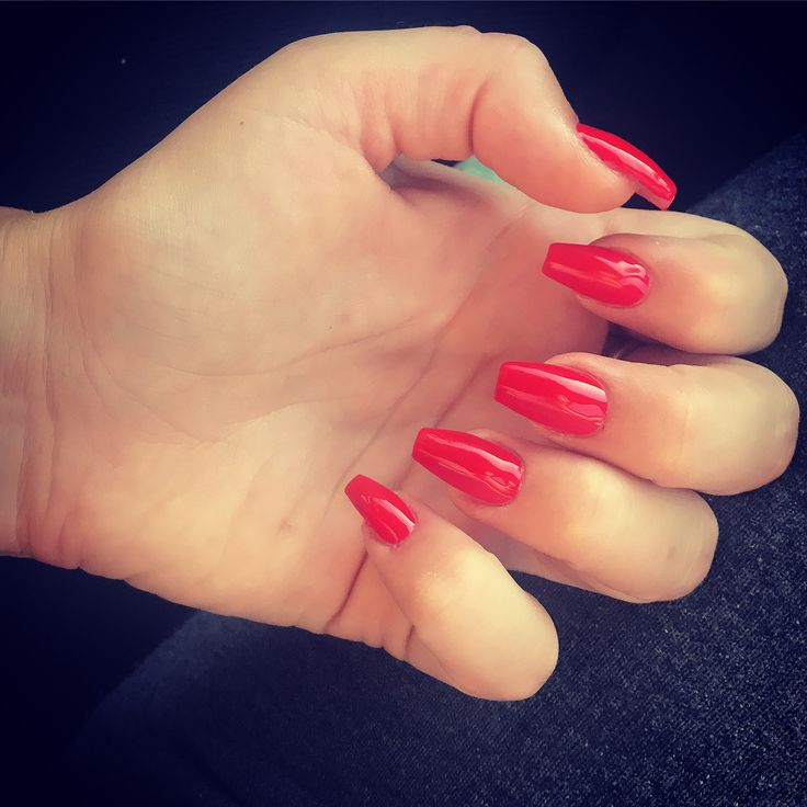 Red nails😍