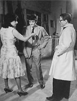 Anna Magnani, Ettore Garofolo and director/writer Pier Paolo Pasolini on the set of «Mamma Roma» (1962)