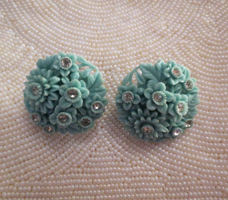 Vintage Celluloid Plastic Flower Earrings Japan Petals