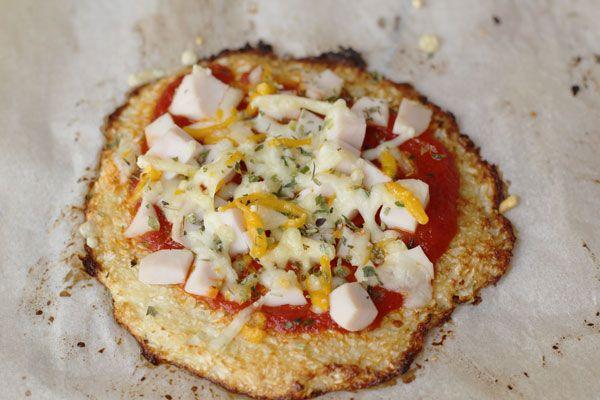 Pizza de coliflor y pavo