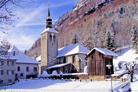 Les plus beaux villages de France : la liste en images SIX FER A CHEVAL  Haute Savoie http://www.gpps.fr/Guides-du-Patrimoine-des-Pays-de-Savoie/Pages/Site/Visites-en-Savoie-Mont-Blanc/Faucigny/Vallee-du-Giffre/Sixt-Fer-a-Cheval