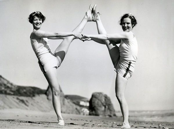 Mary Lawler & Dorothy McNulty getting tricky in 1930.