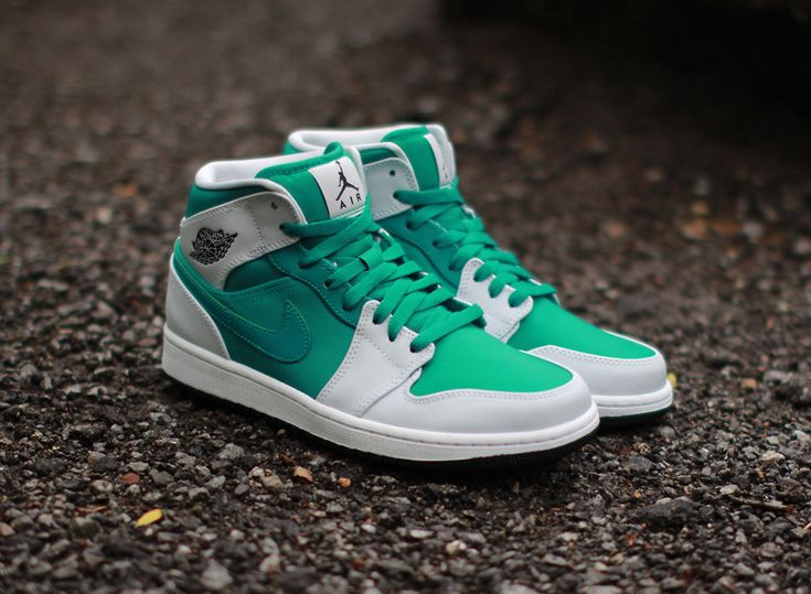 Air Jordan 1 Mid - Lush Teal Pure Platinum