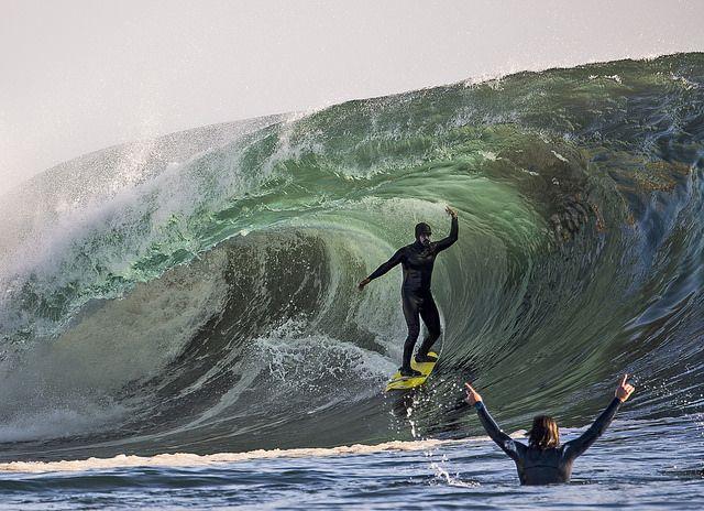 La marca Patagonia da a conocer el primer traje de surf sin neopreno, una gran noticia para todos los ecologistas y amantes de la naturaleza, ya que el neopreno (policloropreno) es una familia de cauchos derivada del petróleo, es decir, un material con un gran impacto medioambiental.  #surf #neopreno #Patagonia #deporte #extremo #xports